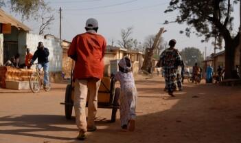 Filmpremiere i Kamerun og politisjefens følge