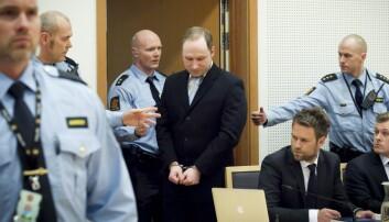 Hvordan tenker en terrorist når han planlegger? Med tilgang til unikt materiale fra 22. juli-saken, har en ny bok kartlagt dette. Her er terrordømte Anders Behring Breivik fra et fengslingsmøte i februar 2012.  (Foto: Heiko Junge, NTB scanpix)