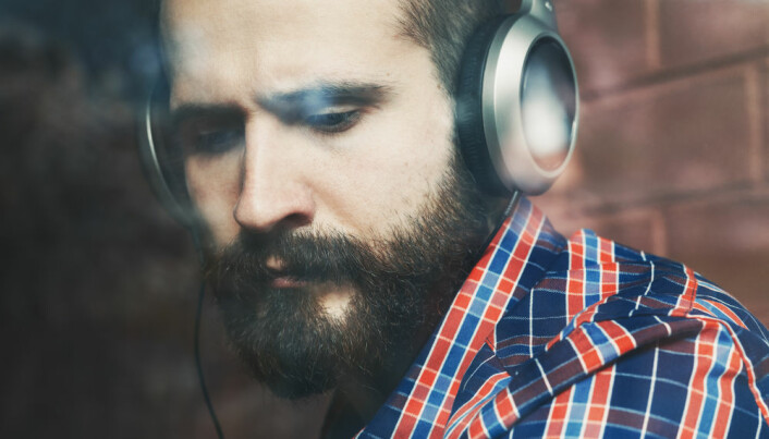 Discharge or diversion? How music helps us regulate our feelings