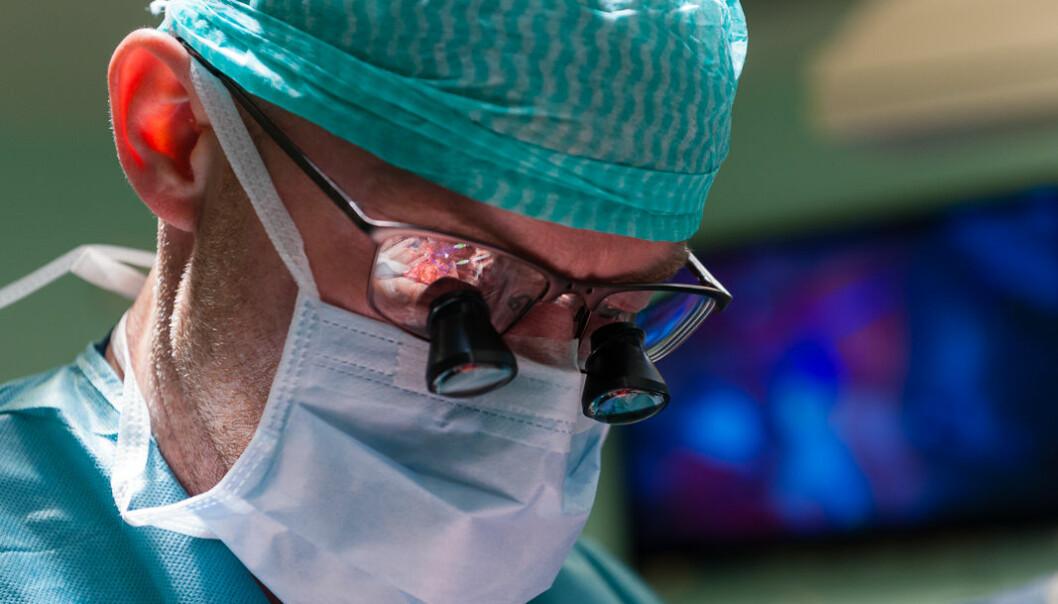 Kirurgene må bli flinkere til å teste metoder og basere seg på evidens, konkluderer Tom Øresland og Johannes Kurt Schultz.  (Illustrasjonsfoto: Øystein Horgmo, UiO)