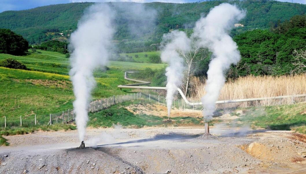 I Larderello i Toscana har man laget strøm av jordvarme siden 1913. Det er her forskere og teknologer nå håper å bore verdens mest energirike jordvarmebrønn. (Foto: Science Photo Library)