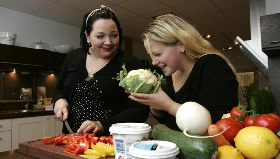 Det viktigste grunnlaget for et sterkt skjelett, legges i ungdomsårene. Derfor er det viktig at tenåringer spiser nok grønnsaker, fullkorns- og melkeprodukter.  (Foto: Bjørn Sigurdsøn, NTB SCANPIX)