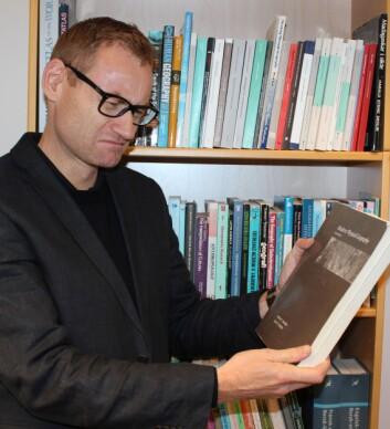 Klein synes det er vanskelig å ikke anbefale bøker. Han mener at også dårlige bøker, eller bøker han er dypt uenig i, kan sette i gang tanker og refleksjoner som er verdifulle.  (Foto: Frode Skår)