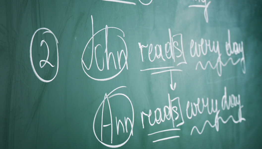 Tony Burner ved Høgskolen i Buskerud og Vestfold har forsket på hvordan elevene blir vurdert i engelsk skriftlig og mener det er for lite dialog om både hvorfor og hvordan karakterene blir satt.  (Foto: Microstock, NTB scanpix)