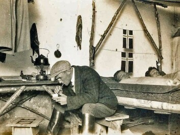 Olav Gjøvdal is sipping yerba mate from a straw. The emigrants drank this traditional South American tea-like drink to avoid scurvy as a result of the meat-rich diet. Ottar Enger (middle) and Ole Viborg Høiby are laying on the bed. (Photo: private)
