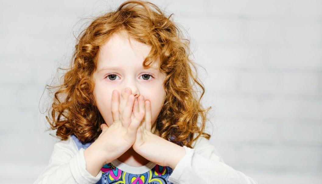Barn som stammer har negative tanker om måten de snakker på og hvor flinke de er sammenlignet med barn som ikke stammer. (Illustrasjonsfoto: Microstock)