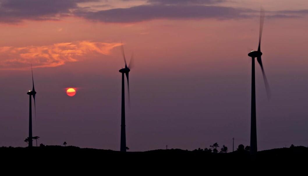 Langsiktig forskning på fornybar energi har fått mindre enn aktørene på området ønsker seg. Havforskning er derimot en vinner i årets næringsrettede statsbudsjett. Budsjettet tar også sikte på å gjøre oljeindustrien grønnere og skape flere arbeidsplasser. (Illustrasjonsfoto: Colourbox)