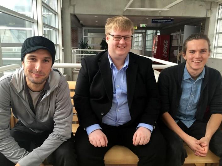 Datastudentene Nicolas Kolnes-Cassis, Gustav Nødland og Andreas Kvist er tre av syv studenter som har utviklet en ny app som kan redde liv. (Foto: Siri J. Pedersen/ UiS)