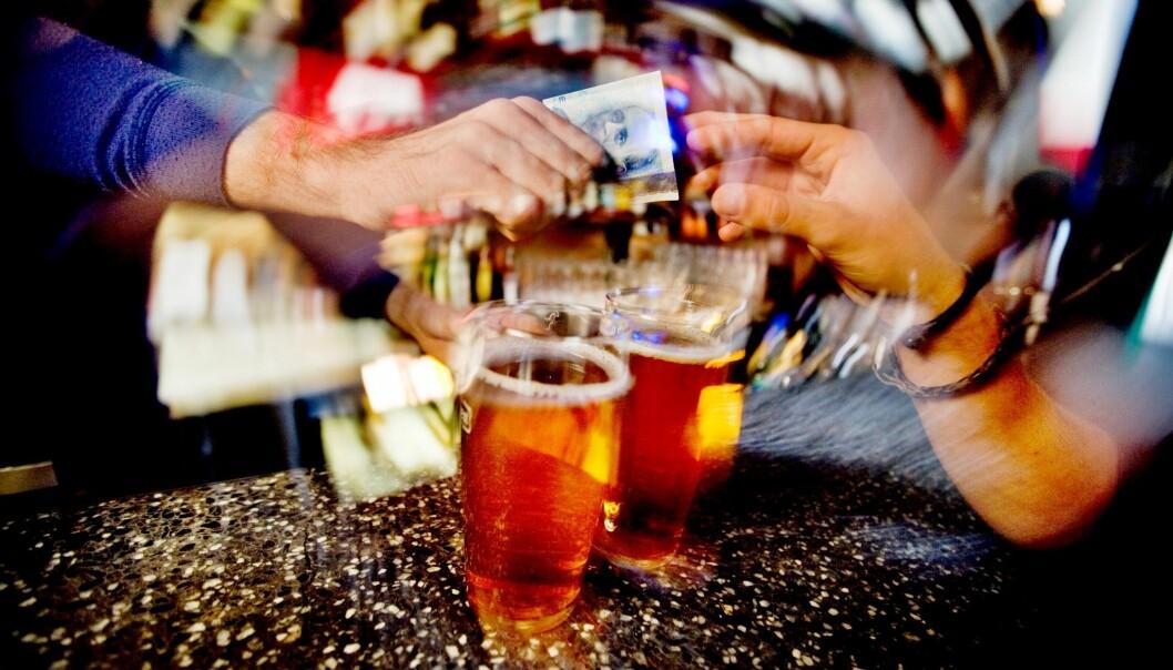 Hvert fjerde år diskuterer norske kommuner alkoholpolitikken sin. Og de samme argumentene kommer hver gang.  (Foto: Sirus, Nye bilder)