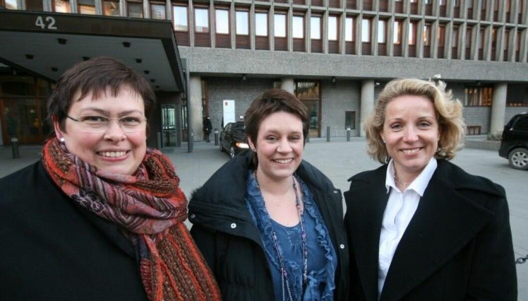 Antall kvinner i kommunestyret har noe å si, ifølge svensk forskning. Arbeiderpartiets Rita Ottervik har vært ordfører i Trondheim kommune siden 2003. Her sammen med Aps ordførerkandidater i Bergen, Marte Mjøs Persen, og Stavanger, Cecilie Bjelland. (Foto: Arbeiderpartiet)
