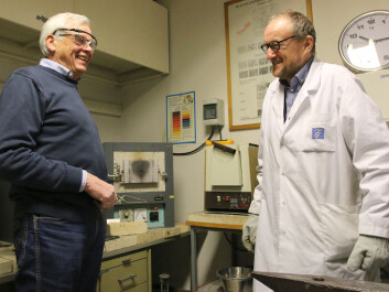 Professor Emeritus Otto Lohne, here with engineer Paul Ulseth, believes the professional mint masters of 500 years ago could certainly determine coins' silver content. (Photo: Idun Haugan, NTNU)