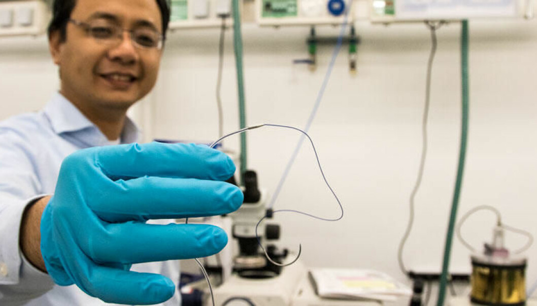 Researcher Anh Tuan Nguyen has developed the sensor device which uses accelerometers to monitor the heart. (Photo: Knut J. Meland)