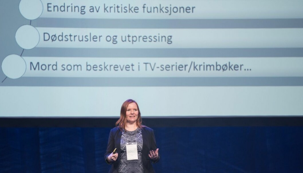 SINTEF researcher Marie Moe has a pacemaker. To her surprise, she discovered that it can be hacked. She recently held a presentation about the dangers when
