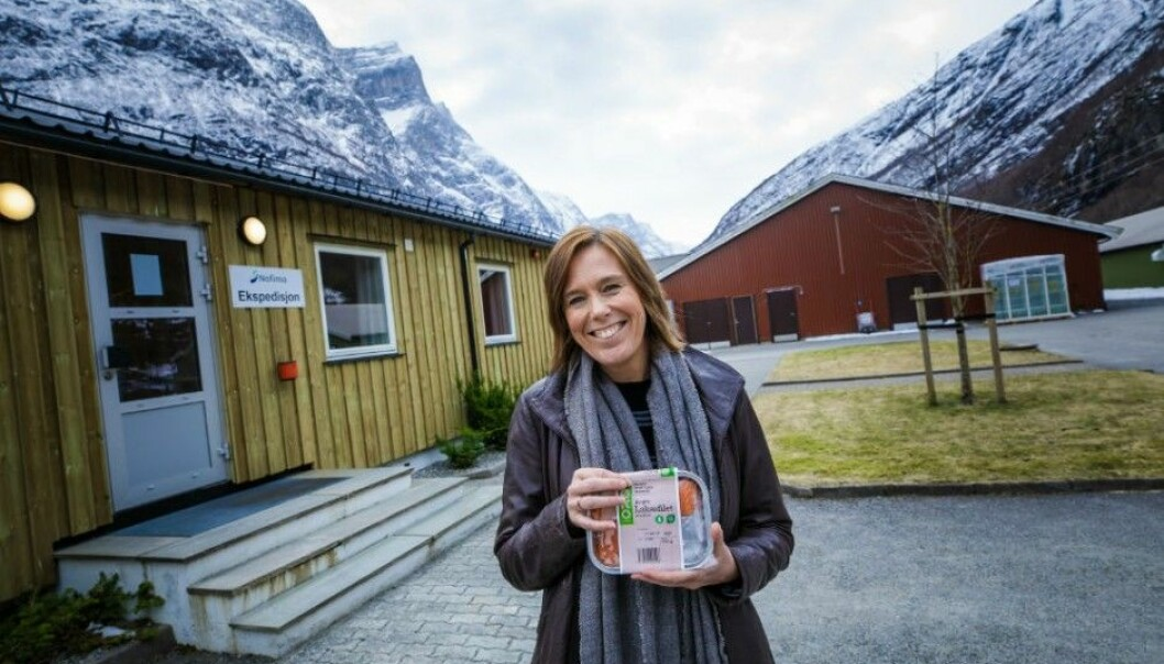 Caption: Åsa Maria O. Espmark, Senior Researher at Nofima in Norway, points out that organic salmon is not the same as wild salmon. (Photo: Terje Aamodt©Nofima)