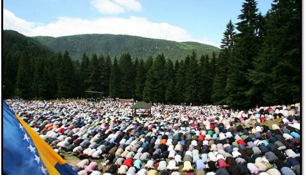 The Ajvatovica pilgrimage site in Bosnia was closed in 1947 under the Yugoslavian communist regime. In 1990, the traditions associated with the site were revived and the site is now home to the largest Muslim religious and cultural festival in Europe. The photo shows pilgrims at the site in prayer. (Photo: Sara Kuehn)