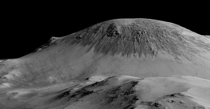 Et annet eksempel på linjene, som kalles recurring slope lineae (RSL) på fagspråket. Forskerne mener å ha funnet bevis for hva det faktisk er for noe. (Foto: NASA/JPL/University of Arizona)