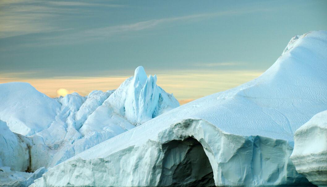Aftenposten rapporterer om at reduksjonen i isdekket i Arktis delvis skyldes naturlige årsaker, basert på forskning som ikke var kvalitetssikret. (Illustrasjonsfoto: Microstock)