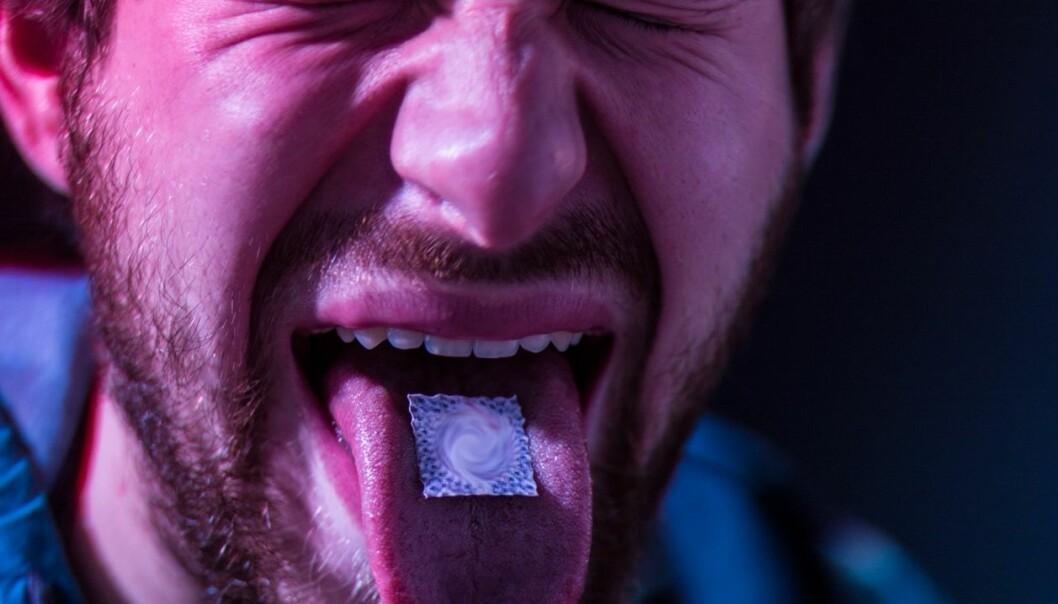 To studier viser at bruk av LSD og andre psykedeliske stoffer ikke har negativ innvirkning på brukernes psykiske helse. Etter å ha analysert det samme tallmaterialet kommer tre andre forskere fram til motsatt konklusjon. (Foto: Microstock)