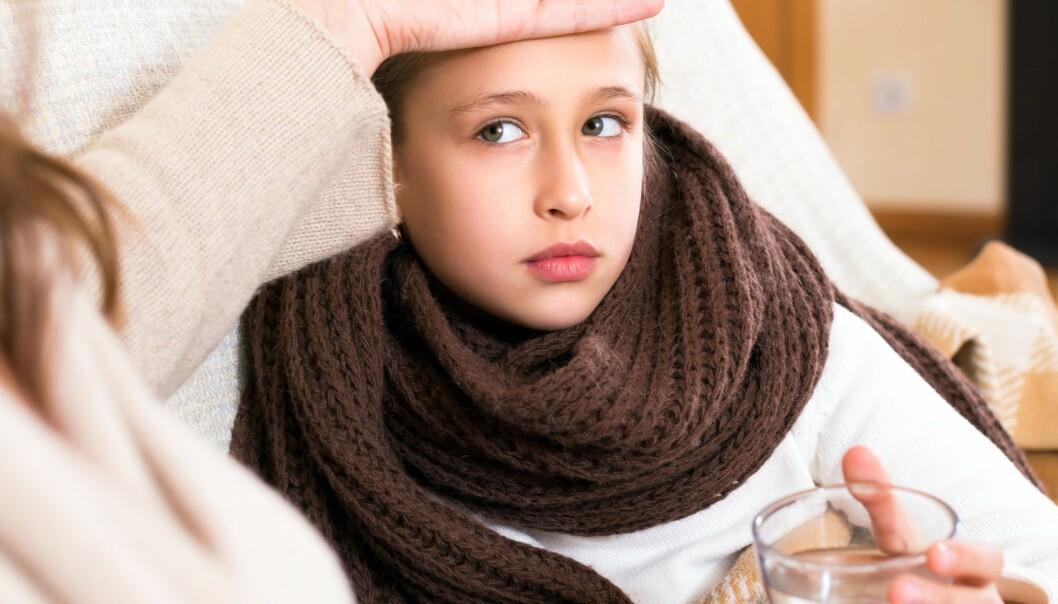 Hvis danske jenter blir vaksinert mot HPV når de er ni år i stedet for tolv år og oppover, vil det ikke bli innberettet så mange bivirkninger, antar forskere.  (Illustrasjonsfoto: Microstock)