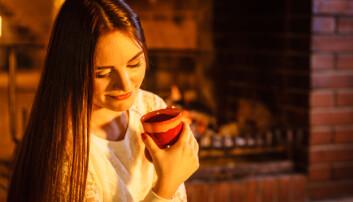 Kroppen begynner å skille ut melatonin i timene opp til sengetid. Hvis du hører til den delen av befolkningen som er følsom overfor koffein, kan kveldskaffen forstyrre melatoninproduksjonen og forstyrre døgnrytmen. (Illustrasjonsfoto: Microstock)