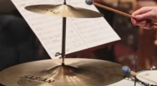 Øyeblikket: Se cymbalen flagre i sakte film