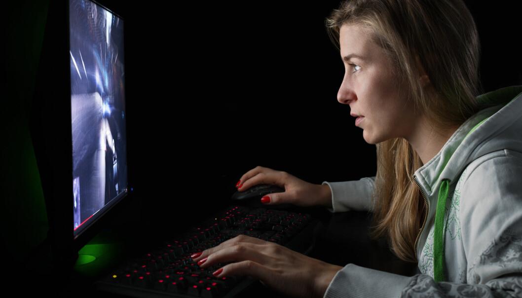 Det er større risiko for å legge på seg for kvinner som spiller dataspill en time hver dag, sammenlignet med andre kvinner.  (Illustrasjonsfoto: Microstock)