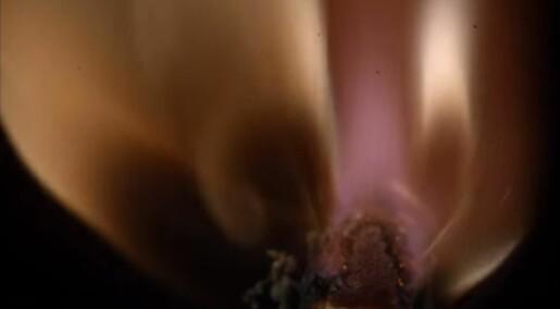 Øyeblikket: Hva skjer egentlig når du tenner en fyrstikk?