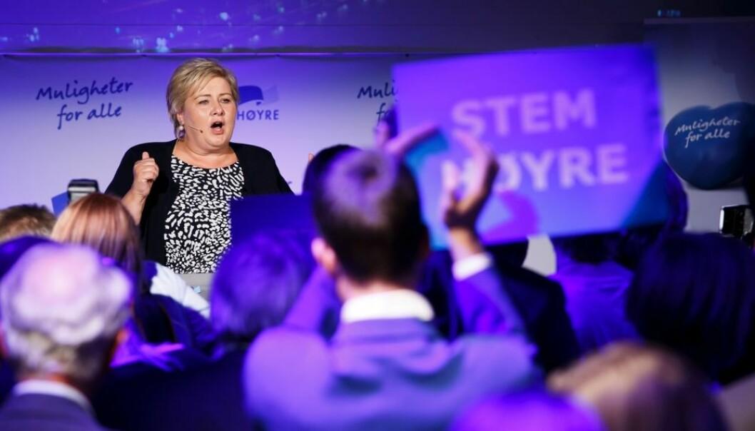 Erna Solberg og Høyre mistet grepet på Vestlands-Norge under kommunevalget 2015. Arbeiderpartiet gikk sterkt fram mange steder. Valgforsker tror en forklaring kan være at vestlendinger har fått smake litt på nedgangstider den siste tiden.  (Foto: Heiko Junge, NTB scanpix)