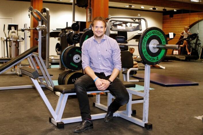 Tormod Skogstad Nilsen i styrketreningsrommet på Norges idrettshøgskole.  (Foto: Yvonne Haugen)