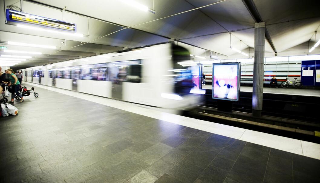 Selv om det kan være trengsel på T-banen i Oslo, er det ofte være verre på lokaltogene.  (Foto: Kyrre Lien, NTB Scanpix)