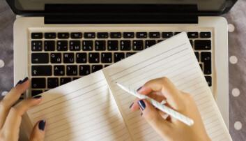 Hvem skriver best om fagstoff til et stort publikum – de med fagutdanning eller de med journalistutdanning? (Illustrasjonsfoto: Microstock)