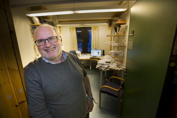 – Mye av suksessen i Tromsø kan de takket Hurtigruten for. De laget strategier for nordlyssatsingen, sier Arvid Viken ved UiT.  (Foto: Stig Brøndbo)