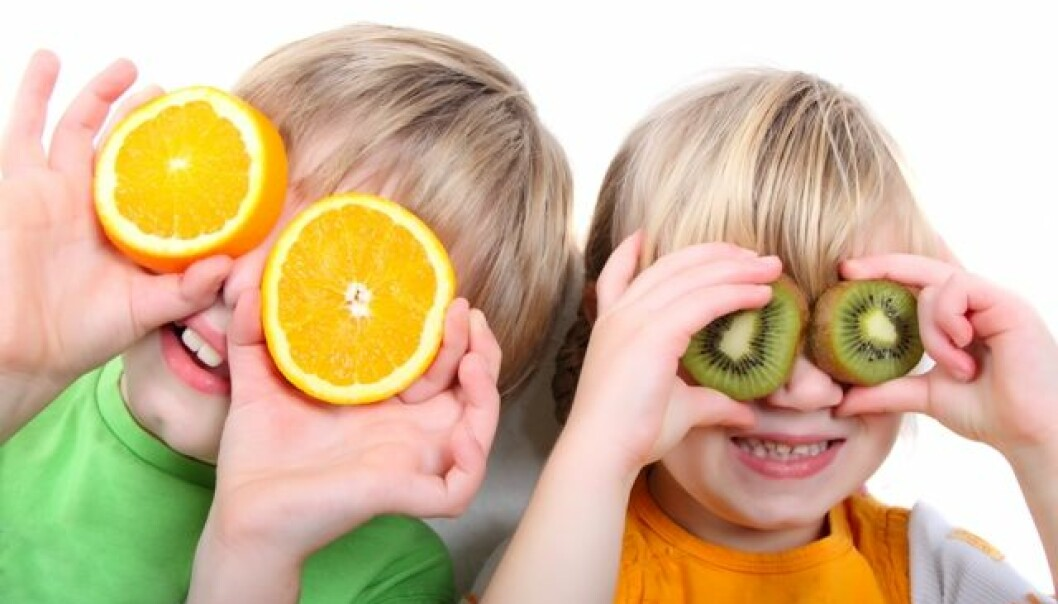 Children must feel that eating healthy is a choice, not a rule imposed on them by their partents (Photo: Colourbox)