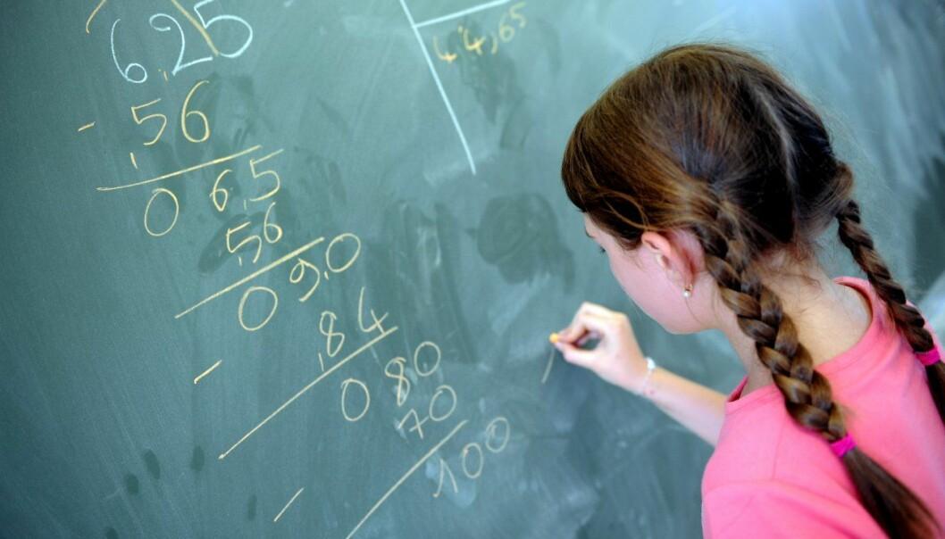 Barn med matematikk-angst har synlige tegn på angsten i hjernen. Men nå viser en studie at denne angsten kan forsvinne om de får individuell oppfølging.  (Foto: Colourbox)