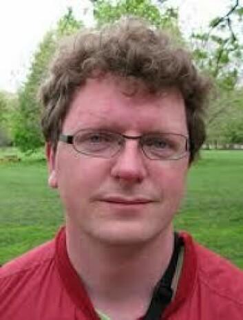 - Vi vet for lite om hva som skaper matematikkangst, sier studieleder Bjørn Smestad ved HIOA. Han mener det bør forskes på om små grupper med høy toleranse for feil svar, kan redusere angsten.  (Foto: forskning.no)