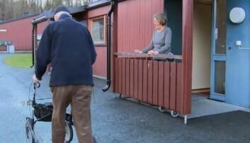 Med mobil trygghetsalarm kan eldre opprettholde sin selvstendighet, nyte sin frihet og fortsette sine utendørs aktiviteter. (Foto: Bærum kommune)
