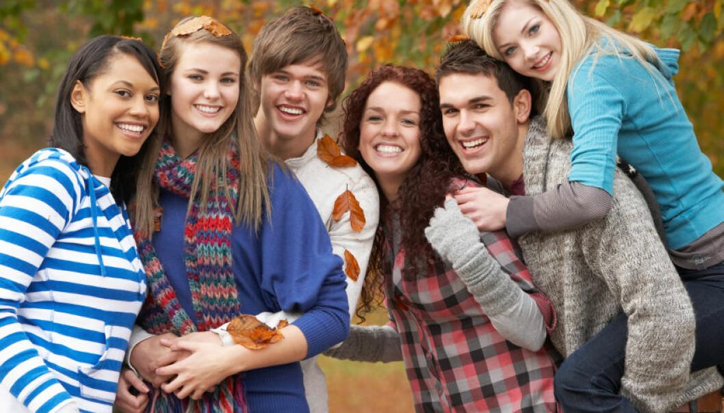 Tenåringer som har nære vennskap med jevnaldrende, oppnår bedre helse i ung, voksen alder, ifølge ny studie.  (Illustrasjonsfoto: www.colourbox.no)