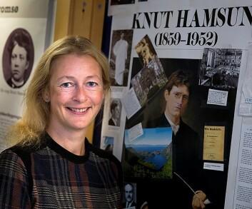 Førsteamanuensis Linda Nesby mener Knut Hamsuns siste bok, <em>På gjengrodde stier</em>, er en pasientfortelling som har flere likheter med dagens pasientblogger. (Foto: Stig Brøndbo)