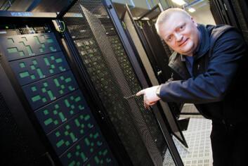 – Mer diskplass løser ikke alt. Det er vel så viktig at forskerne får et bedre system til å holde orden på dataene sine, poengterer Hans Eide.  (Foto: Yngve Vogt)