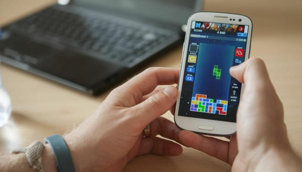 Med Tetris kan du distrahere deg sjøl bort fra å ha lyst på noe du ikke bør ha lyst på, mener australske forskere. (Foto: Plymouth University, Lloyd Russell)