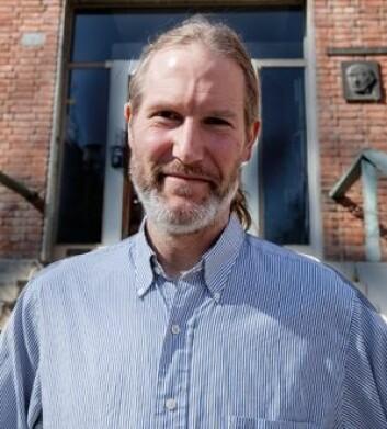 Stein Vidar Hagfors Haugan leder den norske delen av et internasjonalt team som skal sikre at de automatiske tolkningene av galakseobservasjonene blir riktige. (Foto: Yngve Vogt)