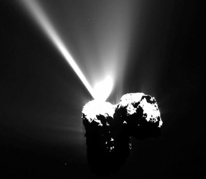 Kometen på sitt mest aktive, sett fra Rosetta 12. august. (Bilde: ESA/Rosetta/MPS)