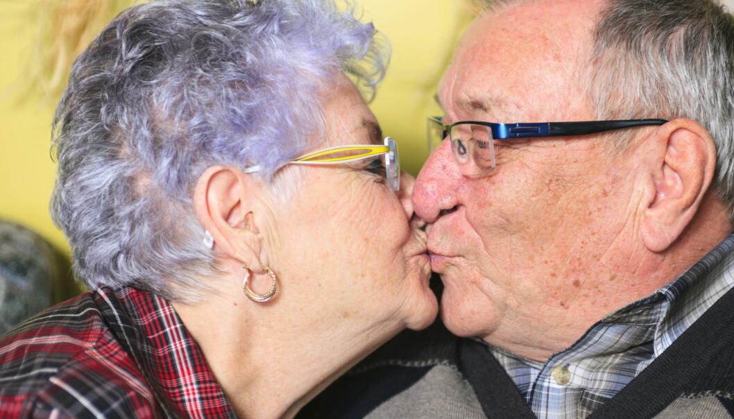 Kyssing er langt fra så utbredt i ulike kulturer som vi har trodd, viser studie. I mange kulturer syns folk det rett og slett er ekkelt.  (Foto: Microstock)