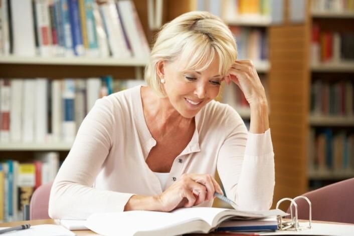 Hele 80 prosent av studentene som var over 40 år da de begynte på et studium, har ikke greid å fullføre. (Foto: Colourbox)