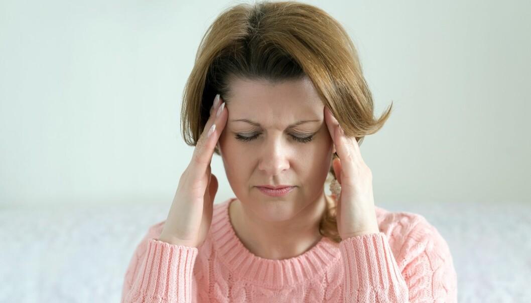 Studier viser at smertepasienter får bedre livskvalitet ved bruk av mindfulness. Denne pasientgruppen sliter ofte med depresjon og søvnmangel, men nå viser det seg at minimum fem minutter med mindfullness daglig kan hemme de negative tankene. (Illustrasjonsfoto: Colourbox)