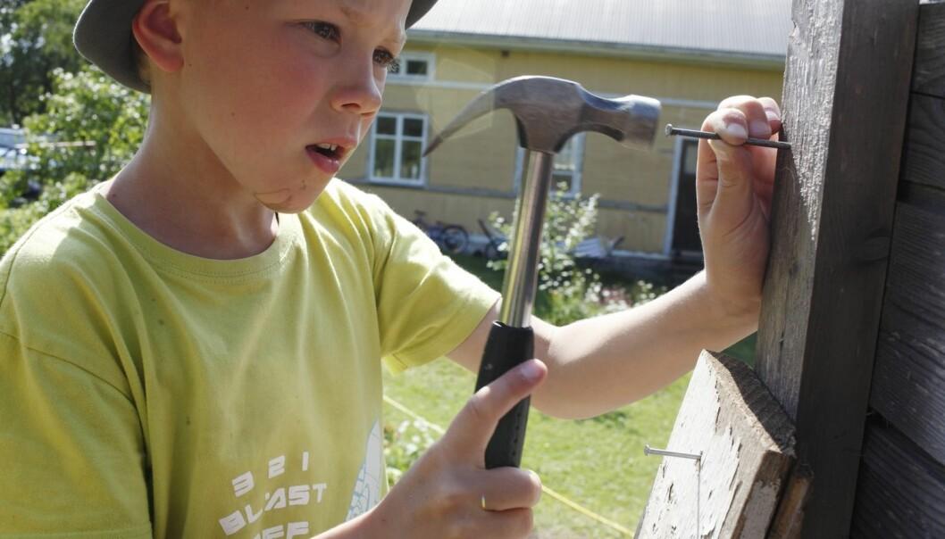 Elevane bør få prøve seg på ulike yrkesfag allereie på grunnskolen, meiner utdanningsforskar.  (Foto: Mikael Andersson, Samfoto/NTB scanpix)