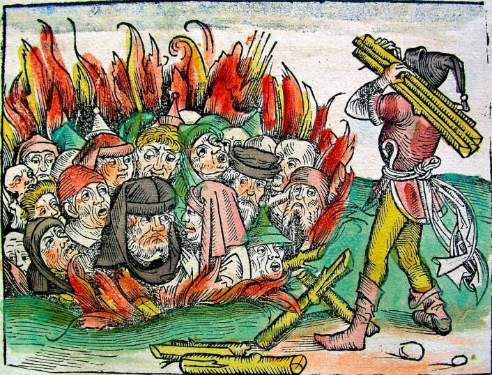 Massakrering av jøder i Europa. Tresnitt fra Die Schedelsche Weltchronik (1493). (Foto: (Illustrasjonsbilde: Fra Samlagets lærebok fra 1992))