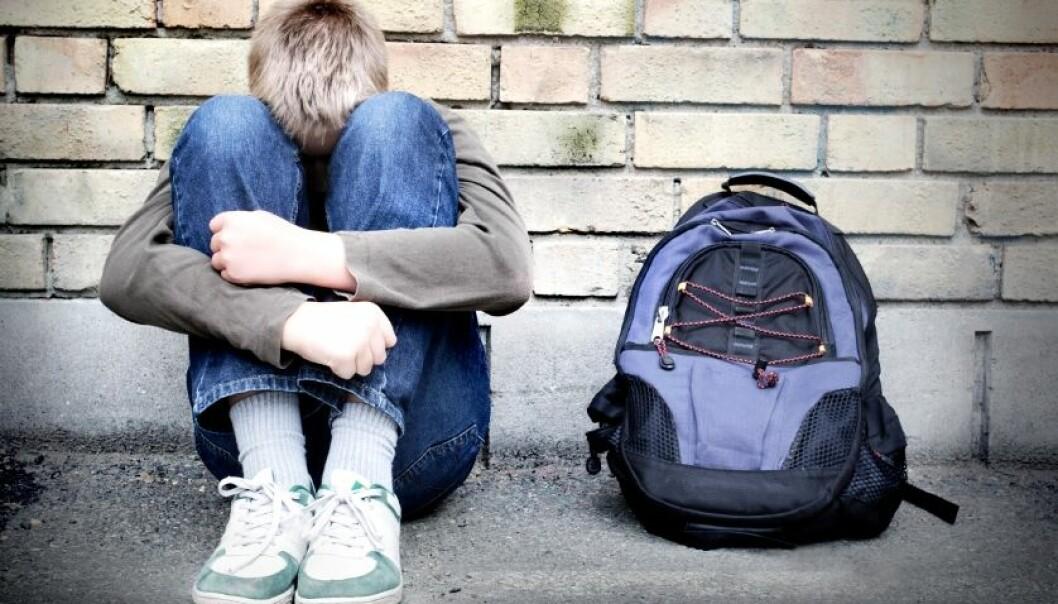 Flere barn får hodepine ved skolestart enn ellers i året. Dårlige ferievaner kan være årsaken. Spenningshodepine kan utløses av for lite mat, vann eller søvn.  (Illustrasjonsfoto: iStockphoto)