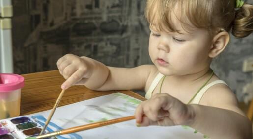 Jenter mer selvstendige og sosiale allerede som toåringer