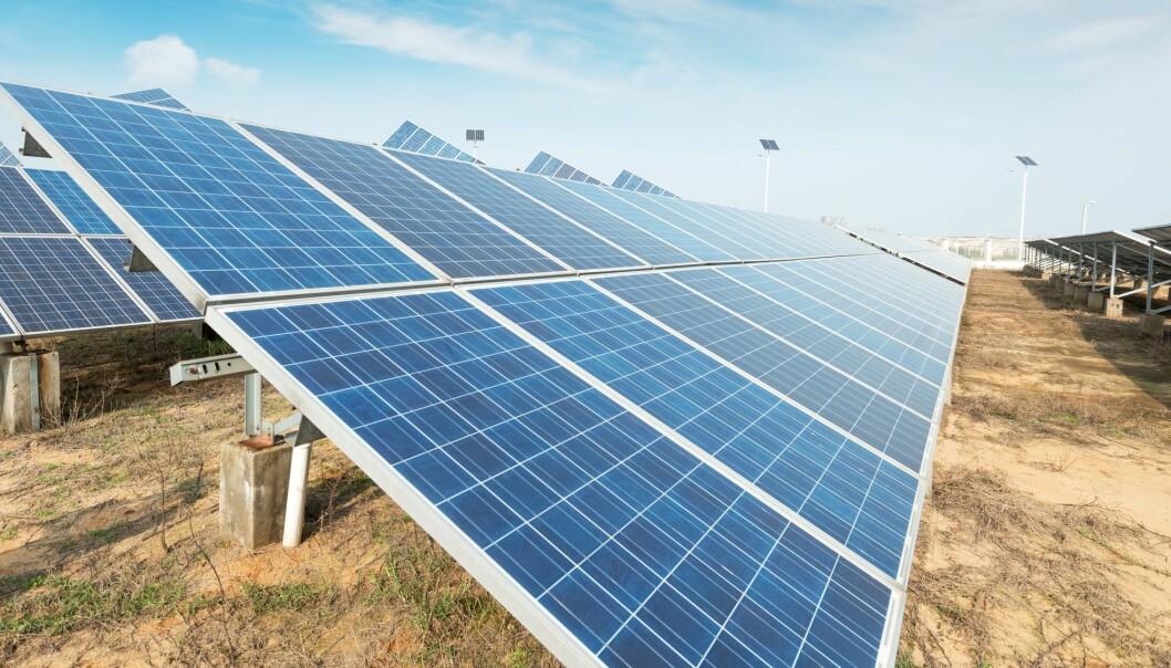 Selvmonterende solceller har kommet et skritt nærmere på grunn av en oppdagelse fra danske forskere. (Illustrasjonsfoto: Microstock)